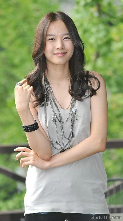 Jo-Yoon-Hee-25